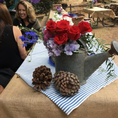 She Shed Entertaining: Pretty Backyard Tablescapes